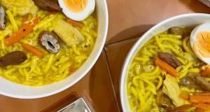 Lomi (Filipino chicken egg noodle soup)