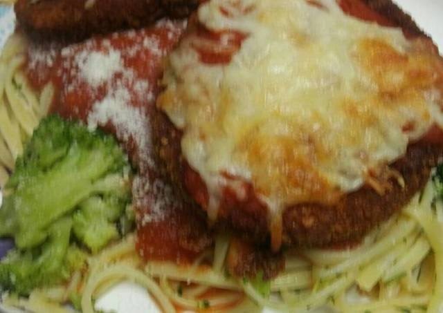 Chicken Parmesan with Broccoli and Linguine Easy