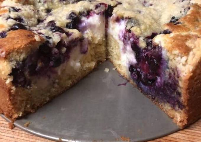 Blueberry cheese coffee cake