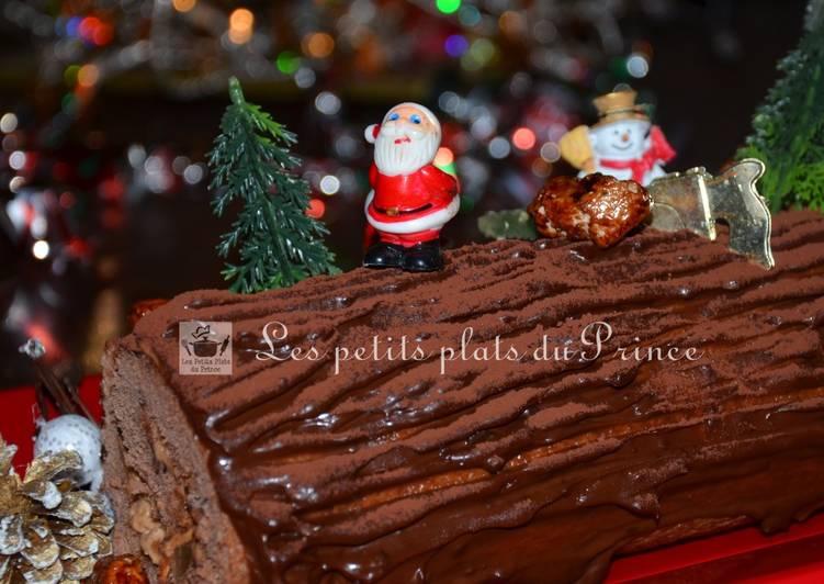 Bûche de Noël au chocolat, poire et chouchous