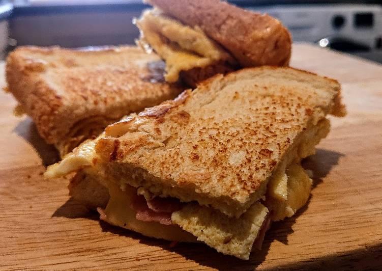 Super Easy Omelette Sandwich