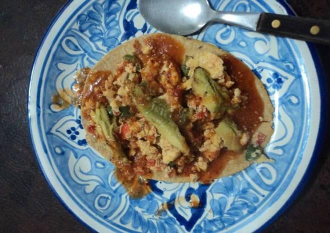 Huarache de huevo mamá guera tipo ranchero de huevo a la mexicana