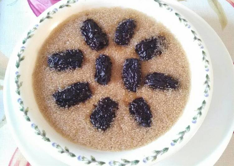 Amaranth date cake 黑枣蒸苋菜籽