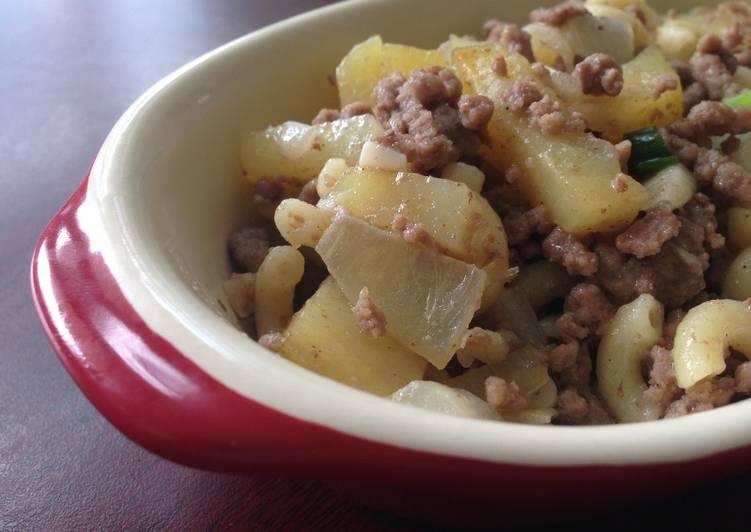 Kentang  panggang daging dengan macaroni