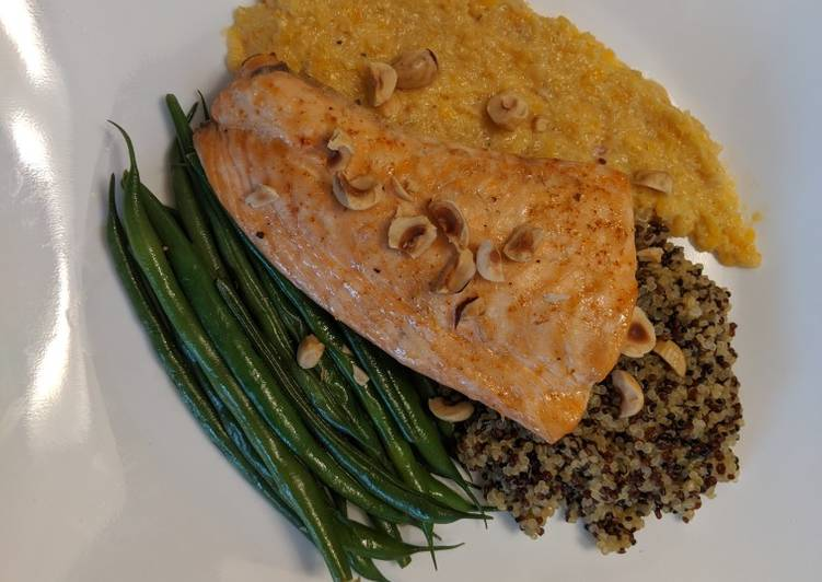 Salmon With Apricot and Fennel Tapenade