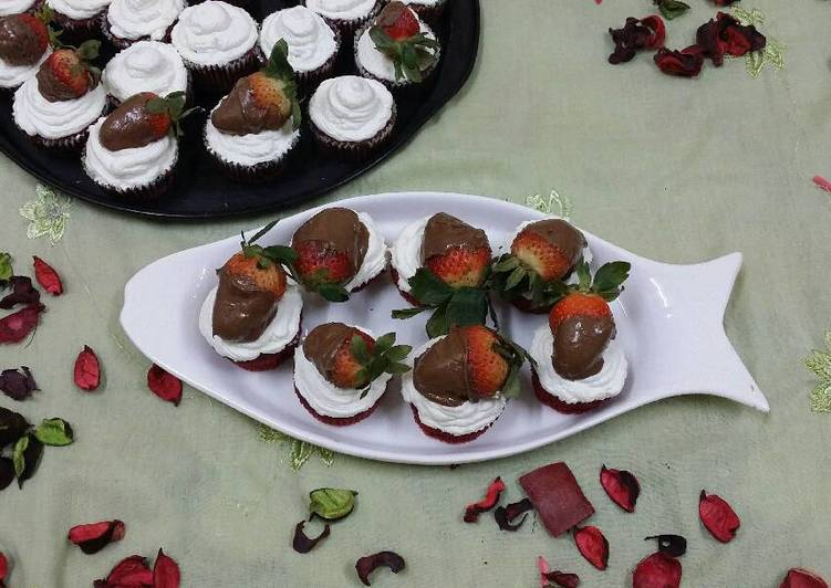 Red Velvet Cuppies With Chocolate Coated Berries #anniversary