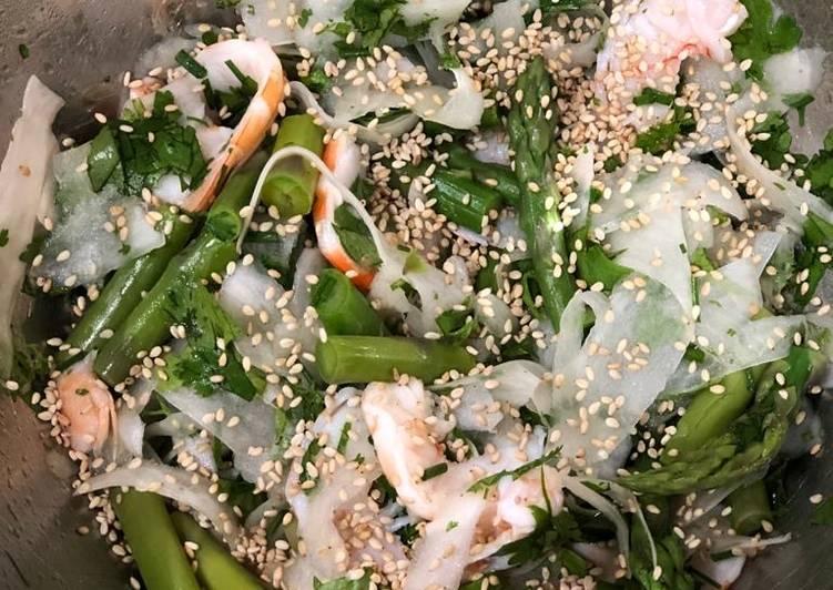 Salade de radis noir et asperges vertes