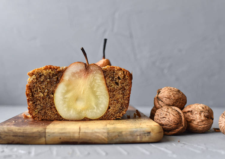 Pear and Walnut Cake
