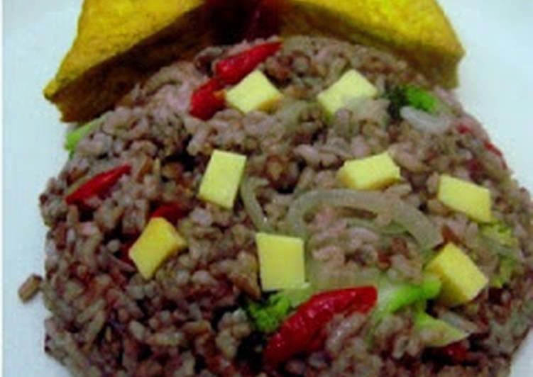 nasi merah goreng