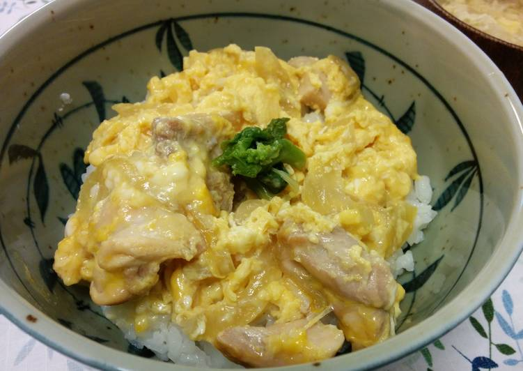 Japanese Oyakodon (Rice bowl chicken and egg)