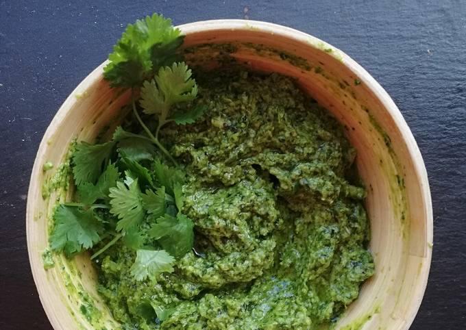 Kale and Cashew Pesto (Vegan friendly)