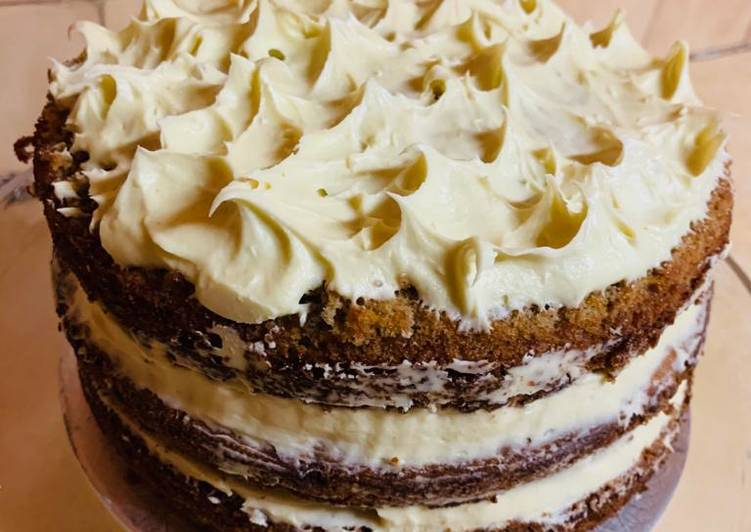 Carrot Cake with Cream Cheese Frosting💝