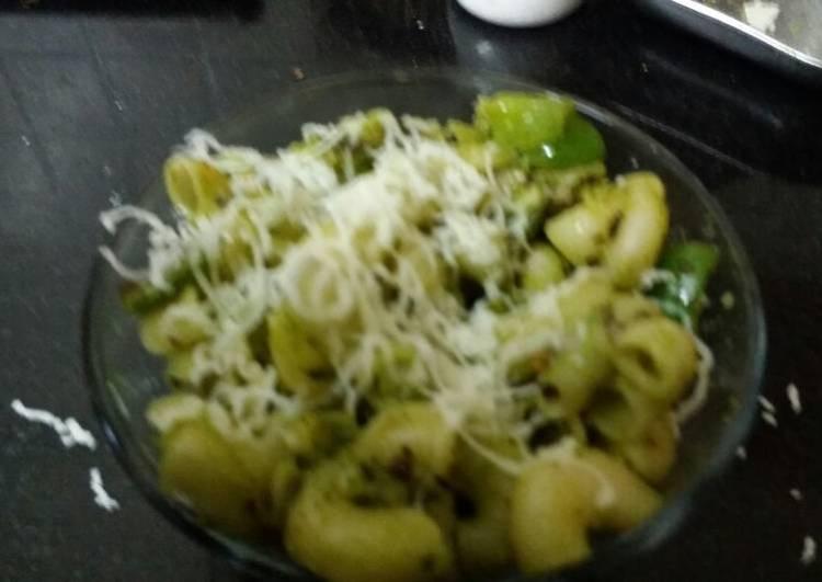 Raw mango spinach pesto pasta