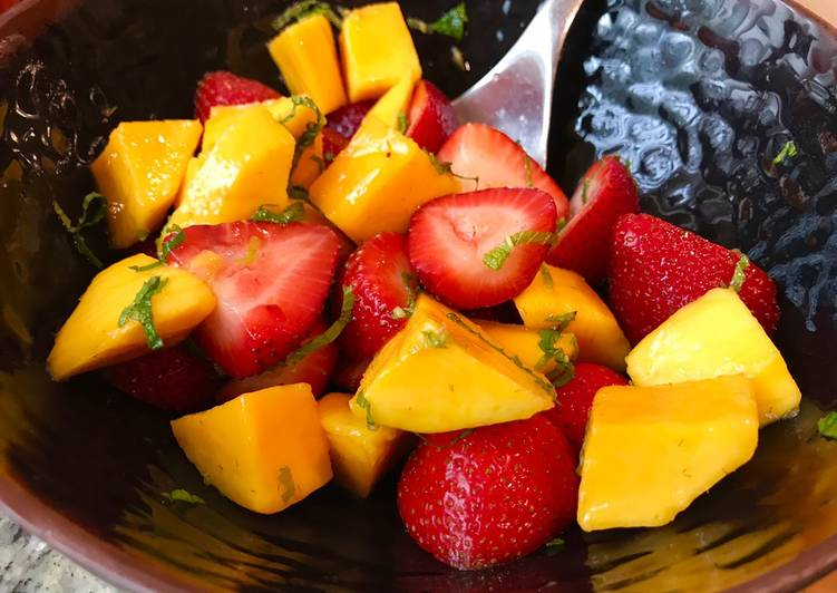 Refreshing Strawberry & Mango Salad with Mint & Lime