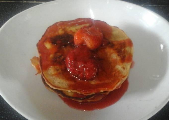 Vegan Pancakes with Strawberry sauce