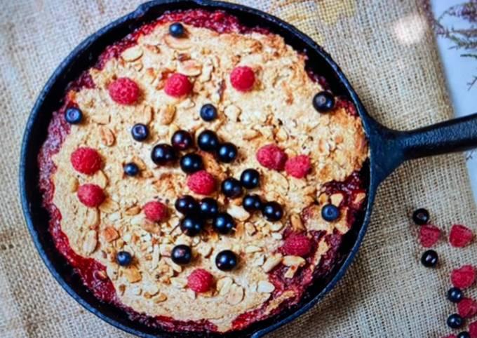 Steel-cut Oatmeal Berry Breakfast Bake