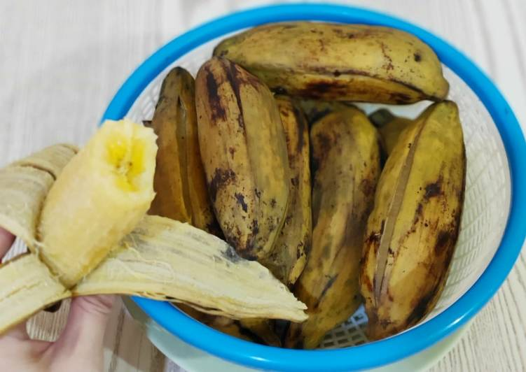 No brainer steamed saba / plantain (this is not a recipe 🤣)