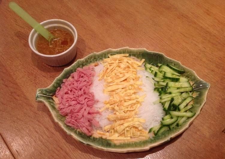 Colourful noodle salad, version 1