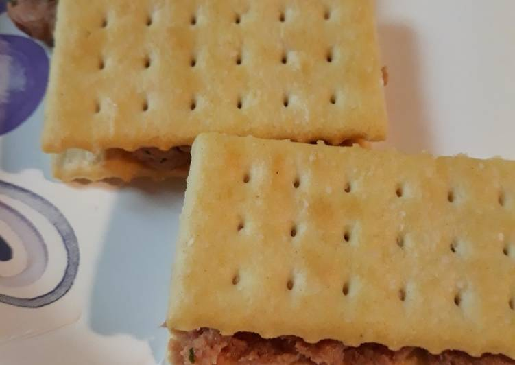 Butter Crackers with Deviled Ham