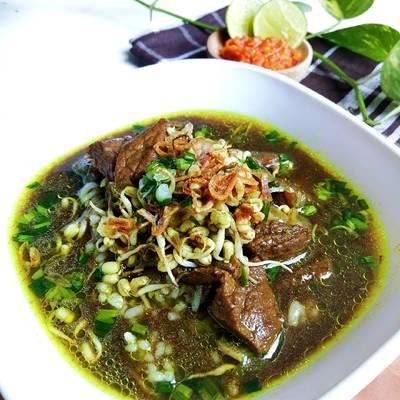 Meskipun menggunakan daging ayam, rasanya juga tidak kalah lezatnya dibanding dengan daging sapi. Resep Rawon Daging Khas Surabaya Oleh Ninik Fn Dapur Kin S Cookpad