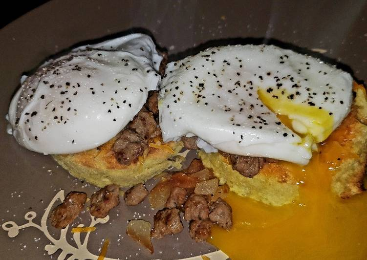 Low-carb Almond Flour Bread with Poached eggs & Turkey Sausage