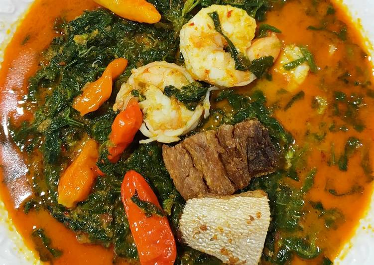 Curry cassava leaves with salted fish
