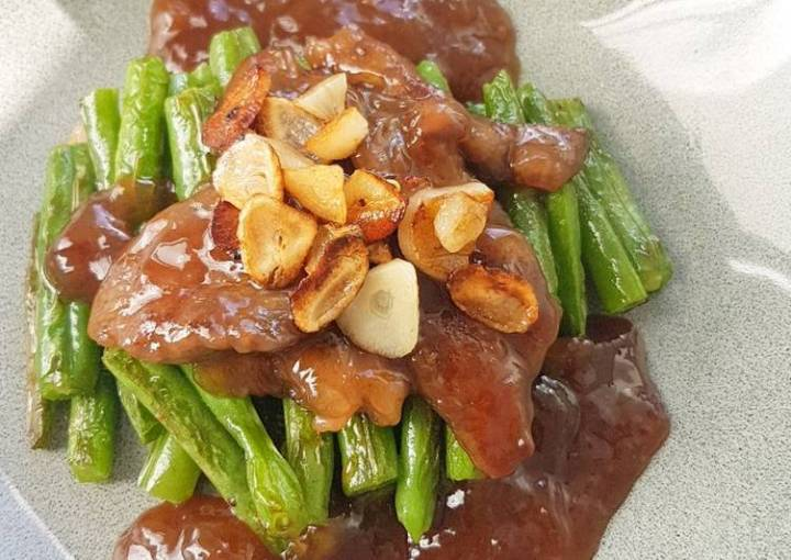 French Long Bean with Beef and Homemade Gravy