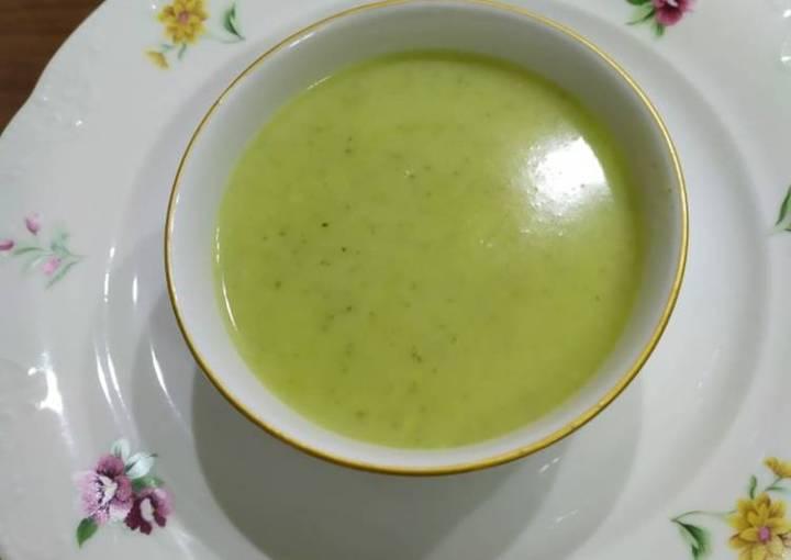 Green Zucchini Soup (Turkish style)