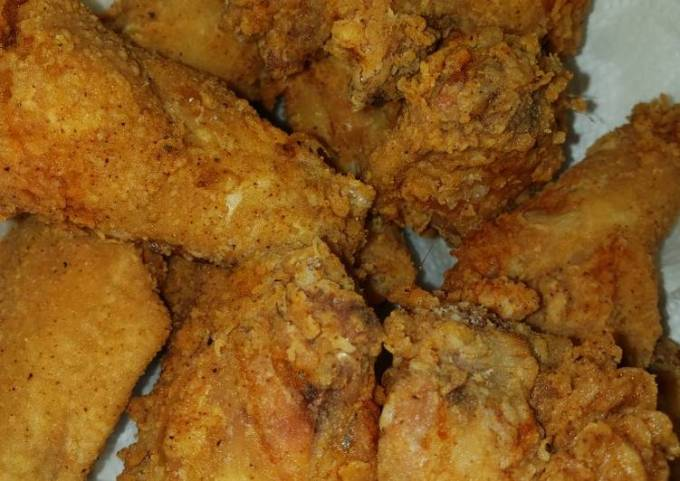 Sharon's Golden Fried Chicken Wings