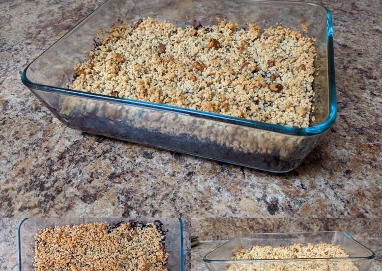 Blueberry-Chia Breakfast Crisp