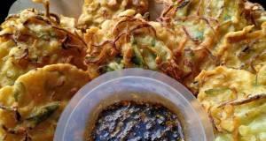 Bakwan sayur /ote ote sambal petis