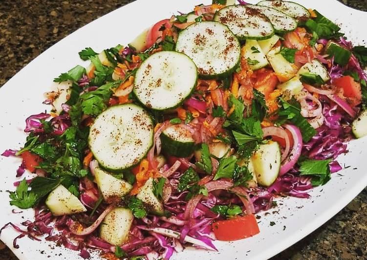 Turkish Red Cabbage Salad