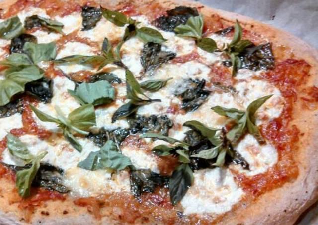 Fresh mozzarella Basil sourdough pizza