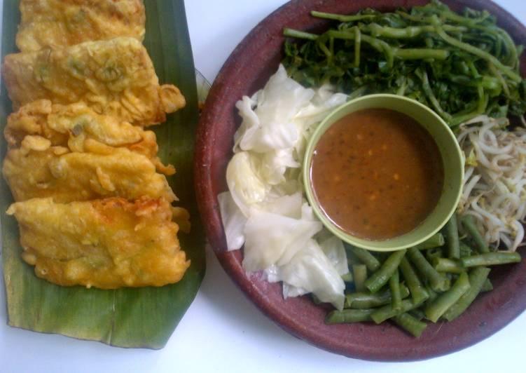 Pecel Kenci (selada air) khas Temanggung