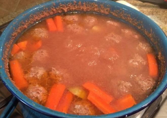Albondiga soup