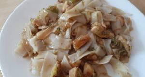Chicken & Broccoli Noodle Stir Fry