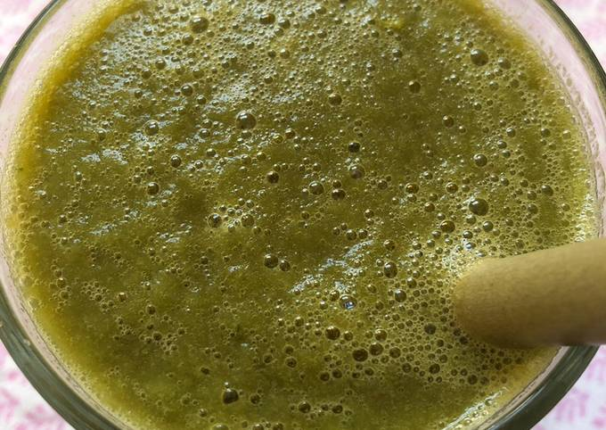 Celery and lettuce juice - vegan