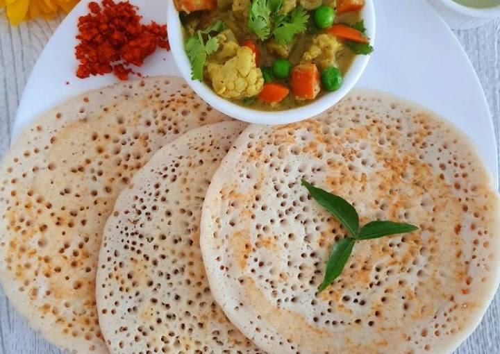 Set Dosa with vegetable sagu (mixed veggies curry).