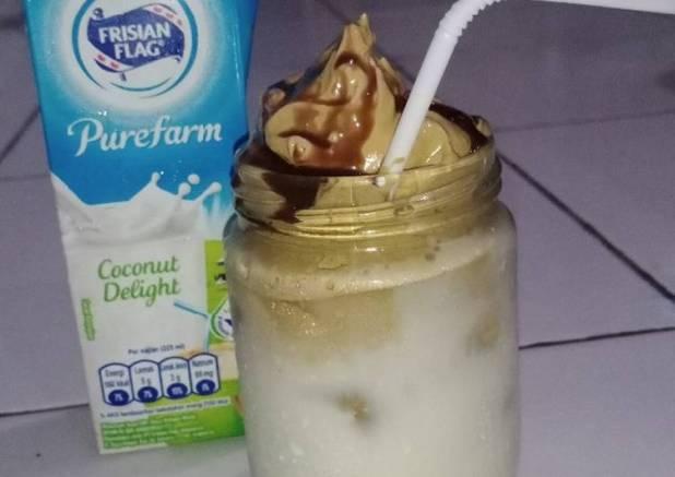 Dalgona coffe coconut delight