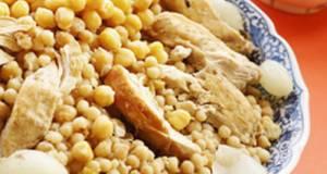 Semolina Dough Grains With Chicken - Moghrabieh