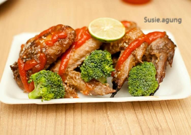 Chicken wings w/ teriyaki sauce (sayap panggang)