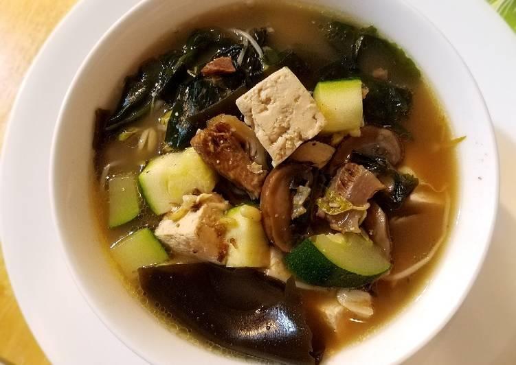 Classical Beef Seaweed Soup牛肉海带汤#mommasrecipes