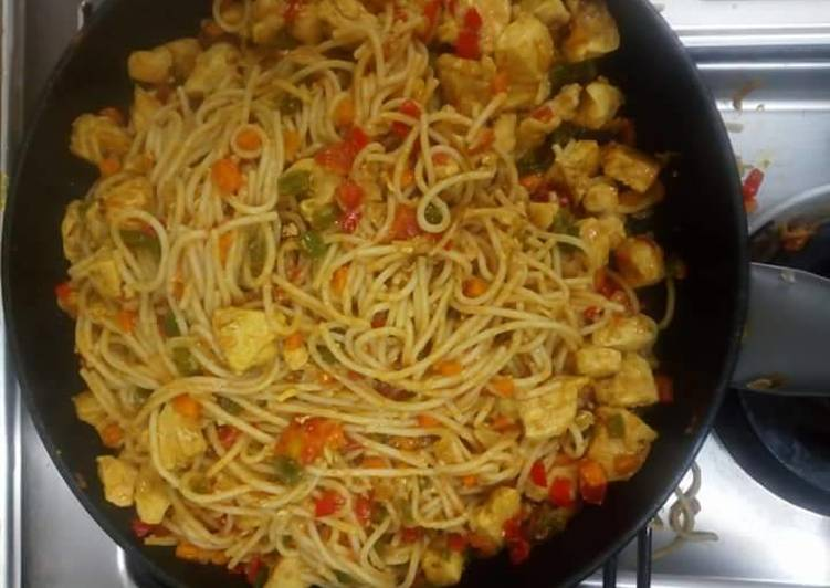 Spagetti and boiled plantain
