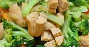Brokoli wortel sosis