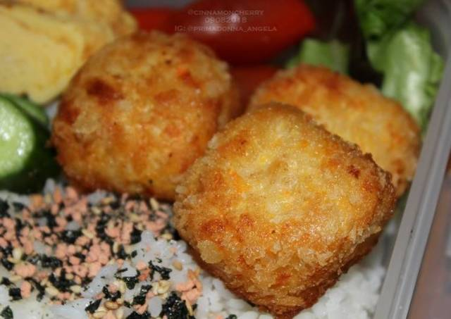 Chicken Nuggets with Carrot and Mozzarella