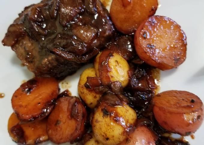 Roasted Boneless Short Ribs + Baby Potatoes