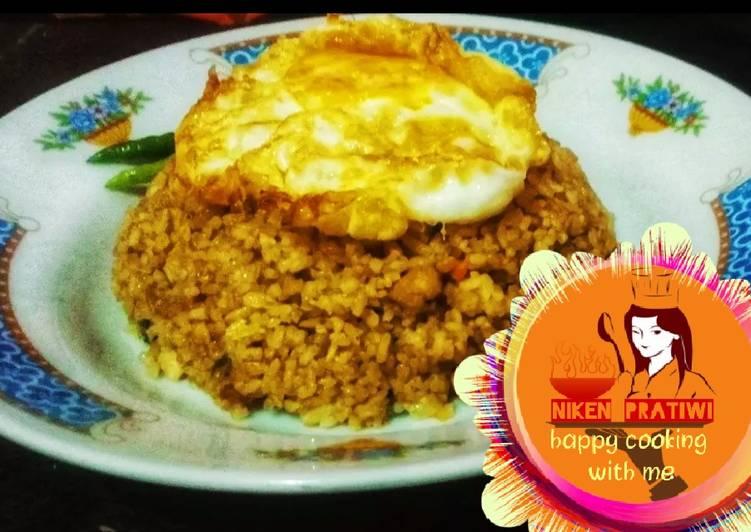 Nasi Goreng Ayam Spesial 🍽