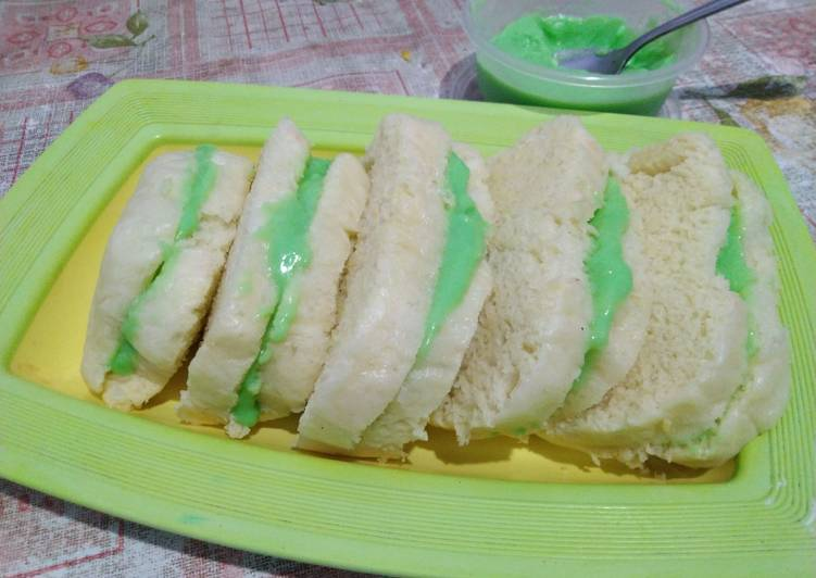 Roti Kukus Srikaya Pandan