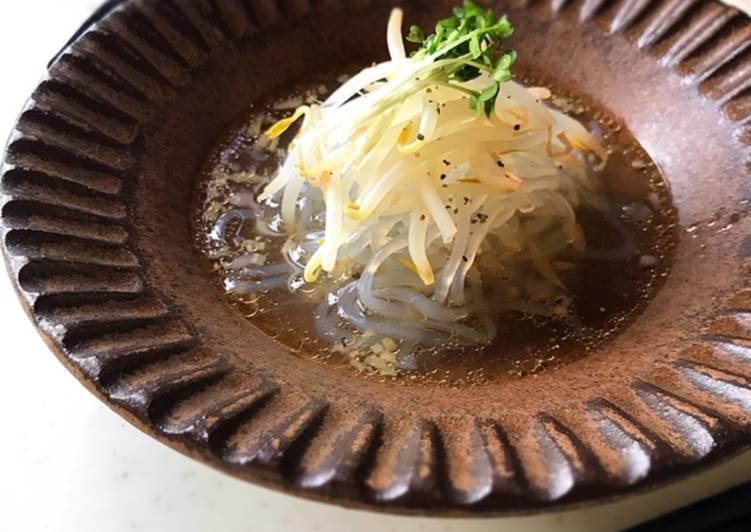 Vegetarian Ramen (Shojin-Ramen) Using zen pasta (dried shirataki)