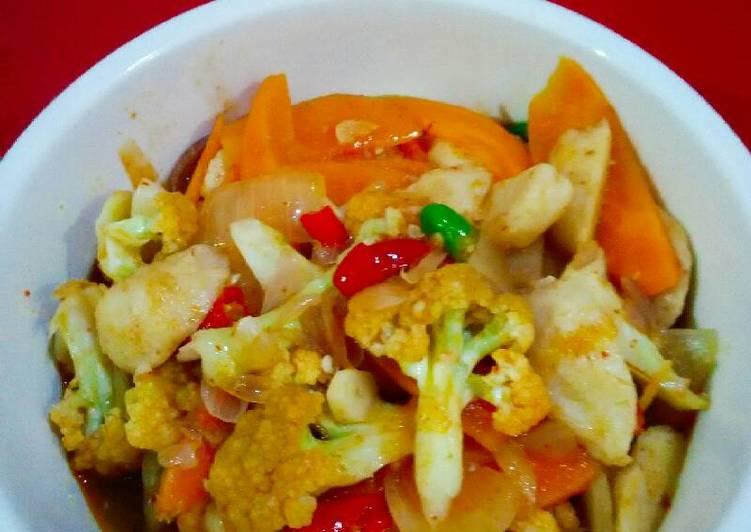 Sayur& bakso tuna(masak bumbu tomyam)